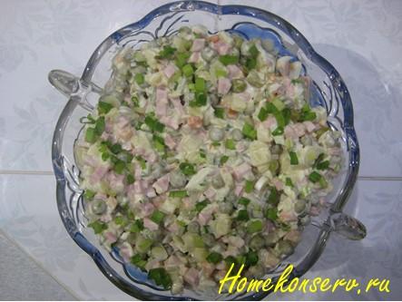 Классический салат Оливье с колбасой и огурцом – простой рецепт с фото