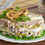 Вкусный салат из свиного языка с маринованными шампиньонами — рецепт
