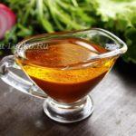 Медово-горчичная заправка для салата, рецепт с фото, из рукколы с бальзамическим уксусом