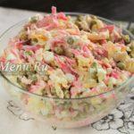 Салат из редьки с курицей и жареным луком – простой и вкусный