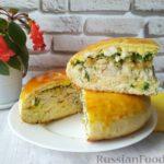 Дрожжевой пирог с рыбой, отварными яйцами и сыром
