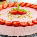 Клубничный творожный муссовый торт с ванильным бисквитом