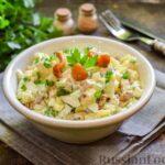 Салат с курицей, маринованными опятами, огурцами и картофелем