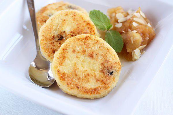 Пышные сырники из творога с манкой на сковороде – фото рецепт пошагово