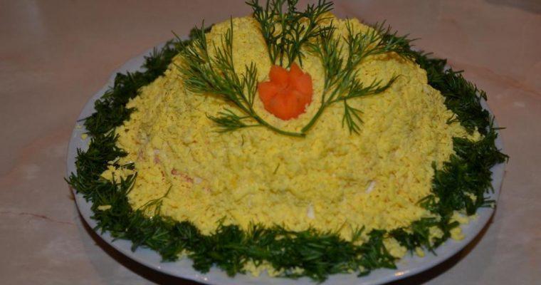 Классический салат Мимоза с консервой из сайры – вкусный рецепт с фото