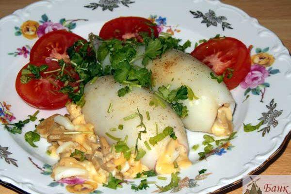 Фаршированные кальмары с ветчиной и сыром в духовке – рецепт с фото