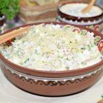 Вкусный и сытный салат из ветчины с сыром и огурцом – простой рецепт