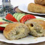 Сочные жареные куриные котлеты из фарша с сыром в мультиварке – рецепт