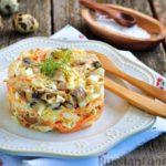 Салат из курицы с корейской морковью и жареными шампиньонами – рецепт